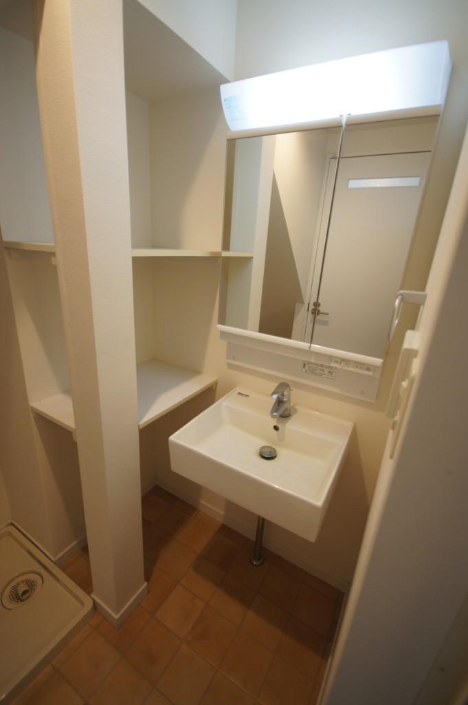 シンプルな洗面スペース