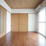 和室は洋室にリフォーム済みです