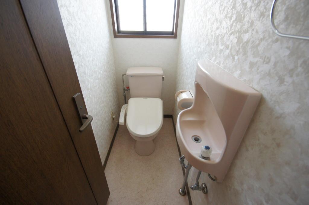 2F、トイレ