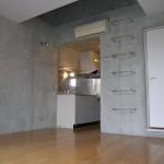 コンクリート打ちっぱなしの壁(居間)